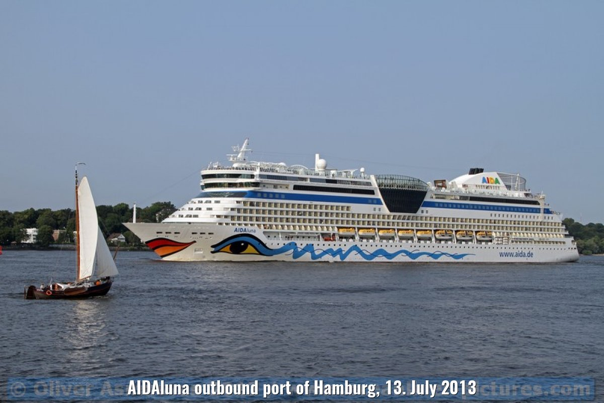 AIDAluna outbound port of Hamburg, 13. July 2013