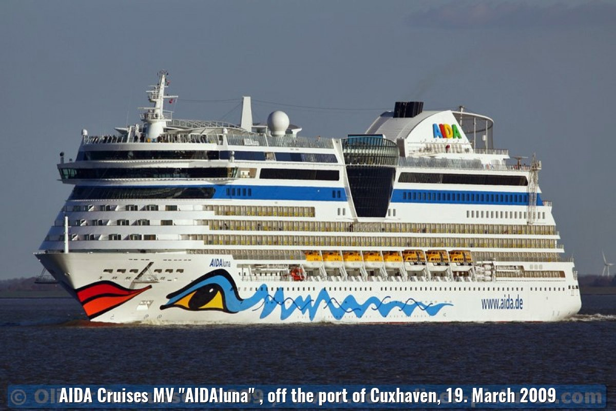 "AIDA Cruises MV ""AIDAluna"" , off the port of Cuxhaven, 19. March 2009"