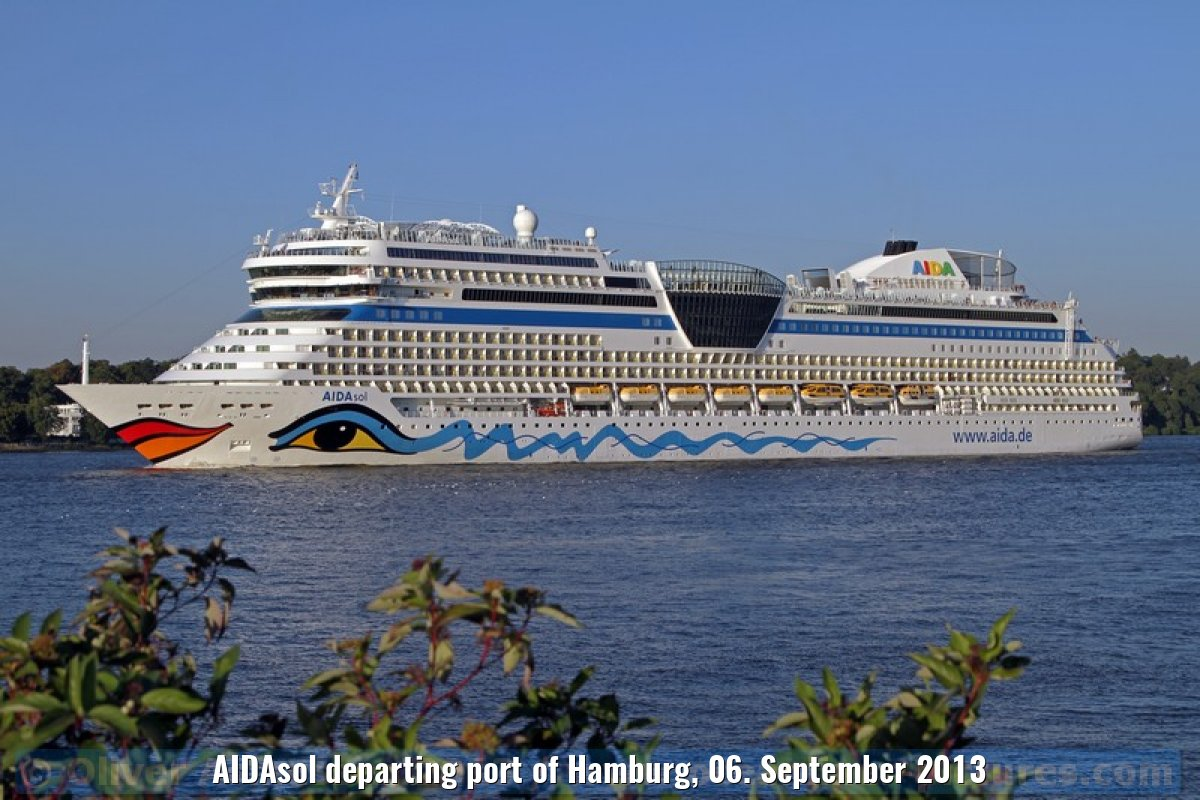 AIDAsol departing port of Hamburg, 06. September 2013
