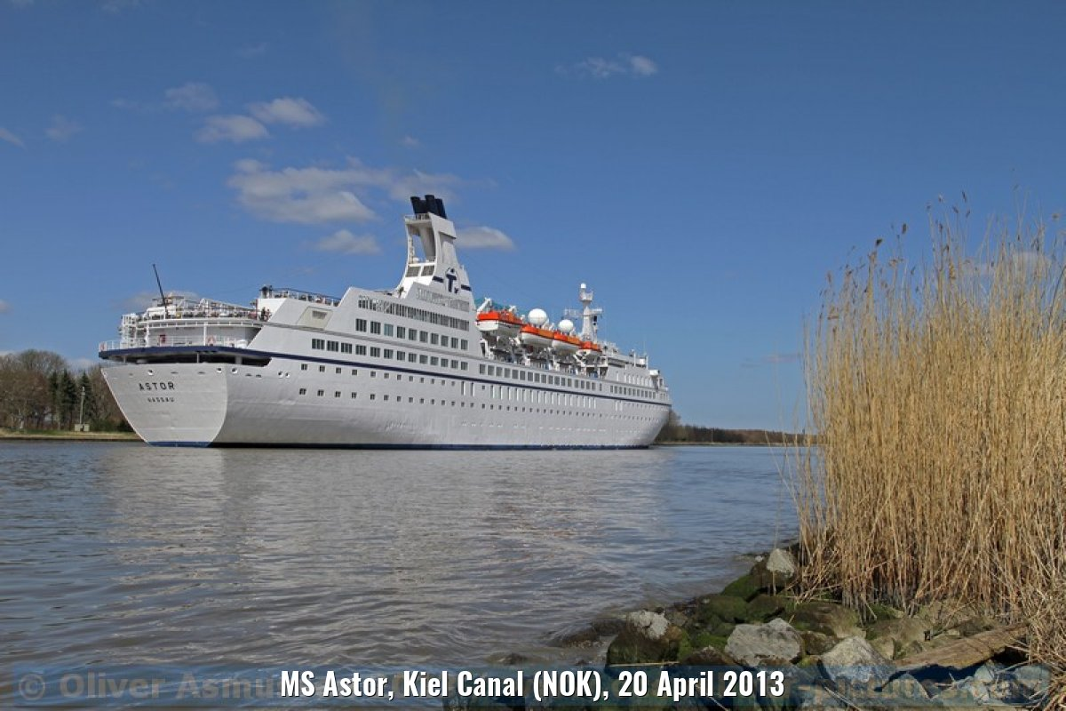 MS Astor, Kiel Canal (NOK), 20 April 2013