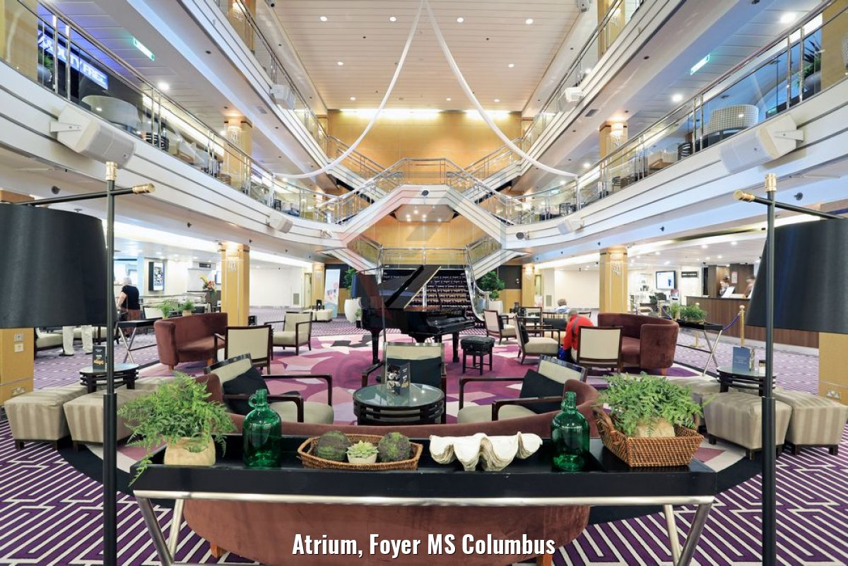Atrium, Foyer MS Columbus