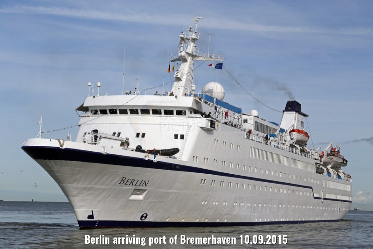 Berlin arriving port of Bremerhaven 10.09.2015