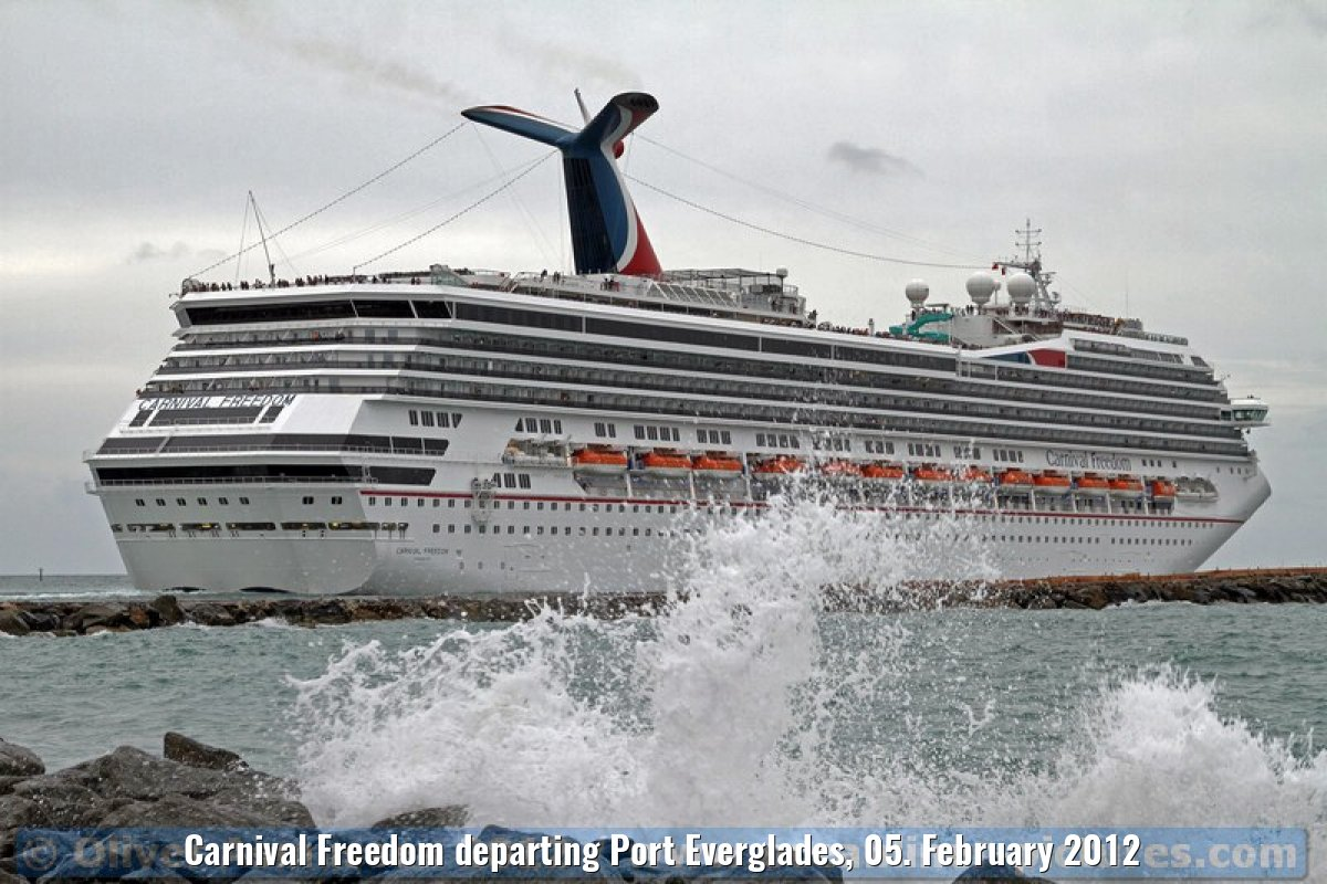 Carnival Freedom departing Port Everglades, 05. February 2012