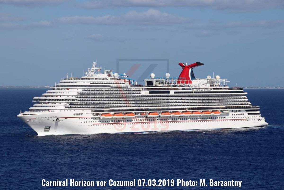 Carnival Horizon vor Cozumel 07.03.2019 Photo: M. Barzantny