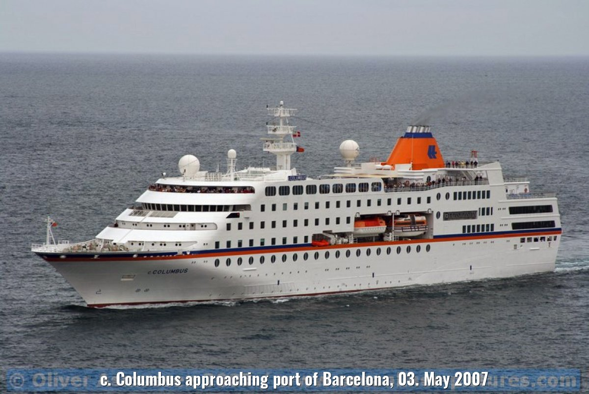 c. Columbus approaching port of Barcelona, 03. May 2007