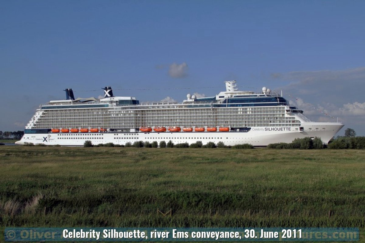 Celebrity Silhouette, river Ems conveyance, 30. June 2011
