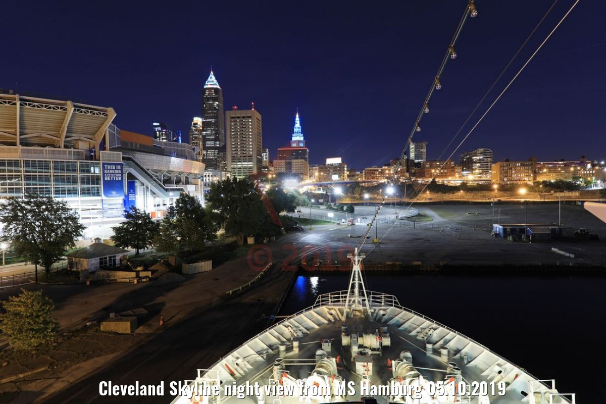 Cleveland Skyline night view from MS Hamburg 05.10.2019