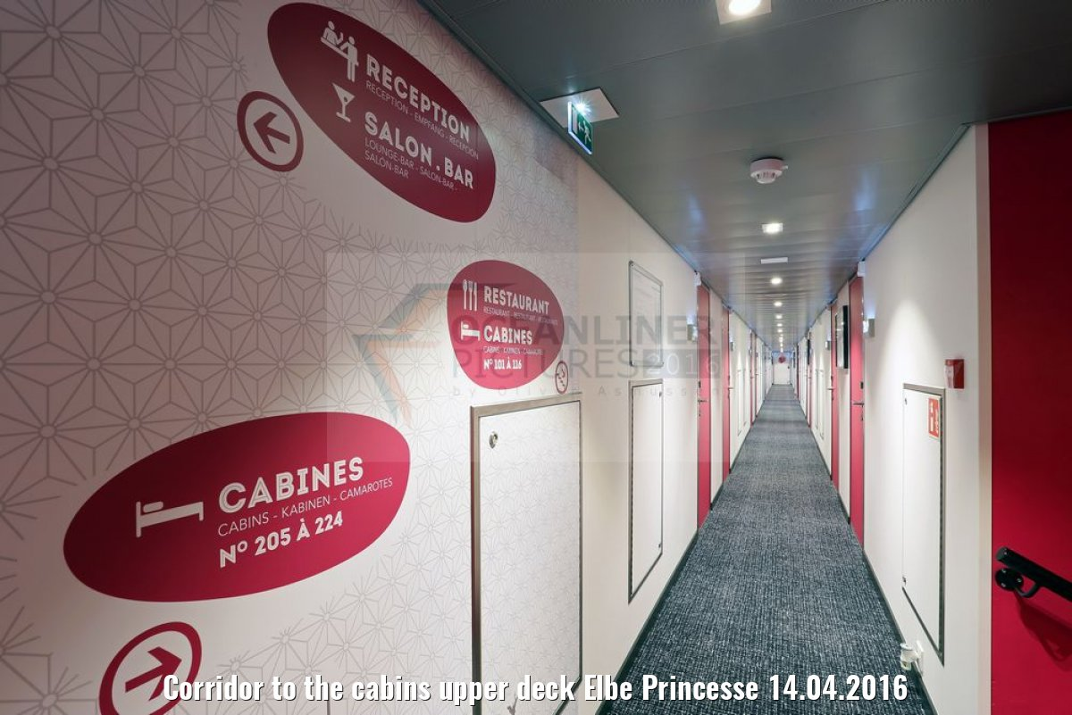Corridor to the cabins upper deck Elbe Princesse 14.04.2016