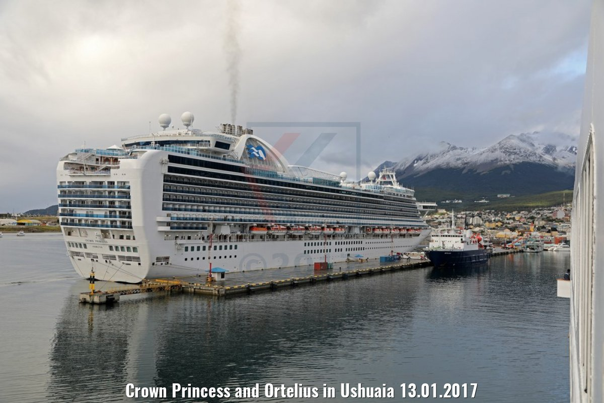 Crown Princess and Ortelius in Ushuaia 13.01.2017