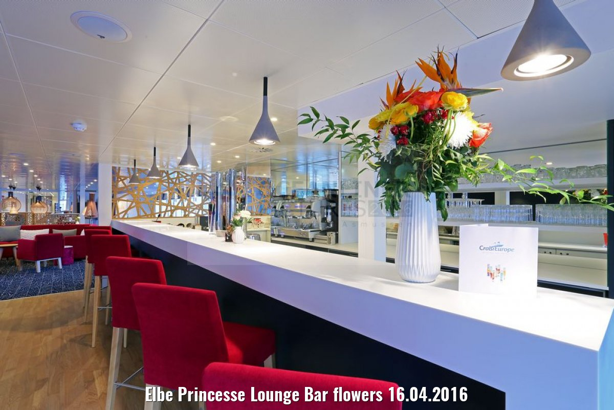 Elbe Princesse Lounge Bar flowers 16.04.2016