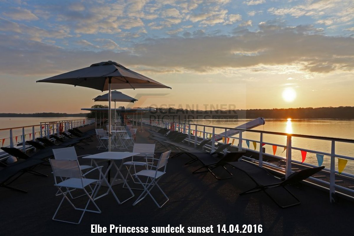 Elbe Princesse sundeck sunset 14.04.2016