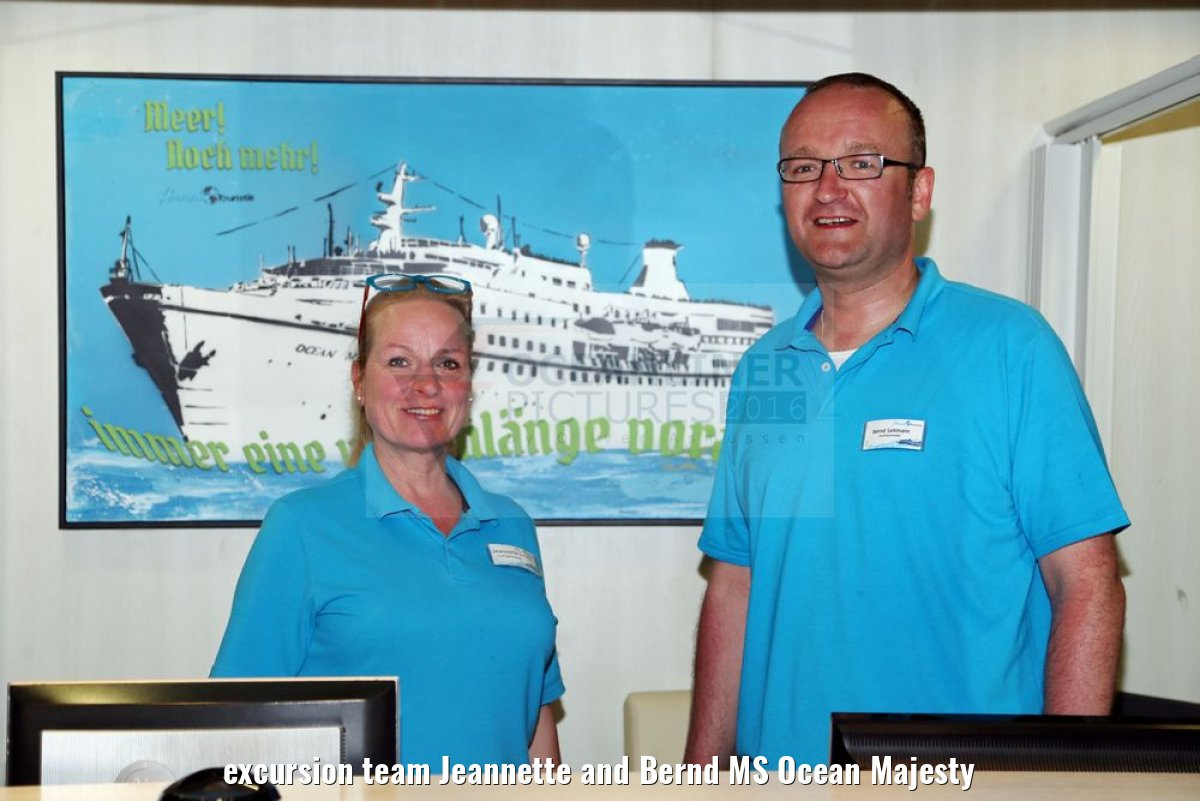 excursion team Jeannette and Bernd MS Ocean Majesty