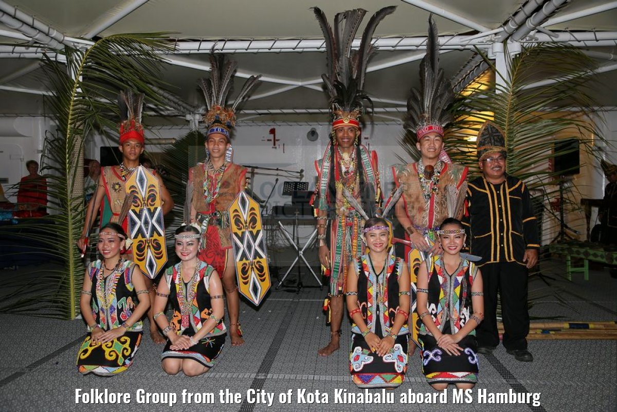 Folklore Group from the City of Kota Kinabalu aboard MS Hamburg