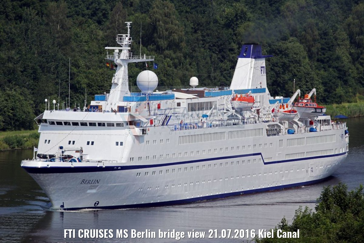 FTI CRUISES MS Berlin bridge view 21.07.2016 Kiel Canal