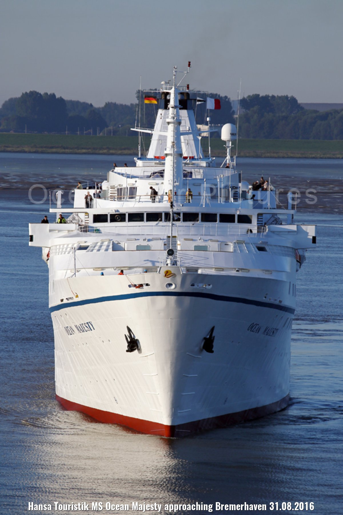 Hansa Touristik MS Ocean Majesty approaching Bremerhaven 31.08.2016