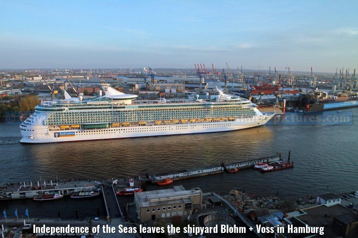 Independence of the Seas leaves the shipyard Blohm + Voss in Hamburg