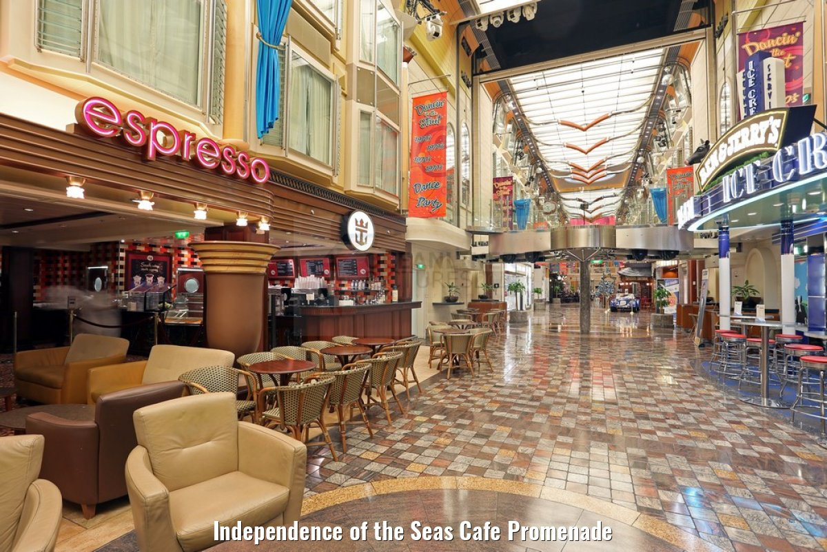 Independence of the Seas Cafe Promenade
