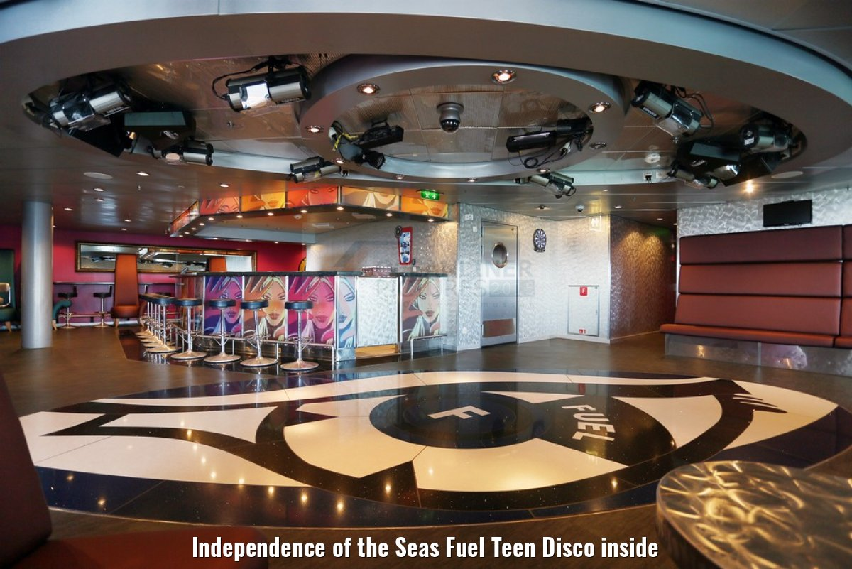 Independence of the Seas Fuel Teen Disco inside