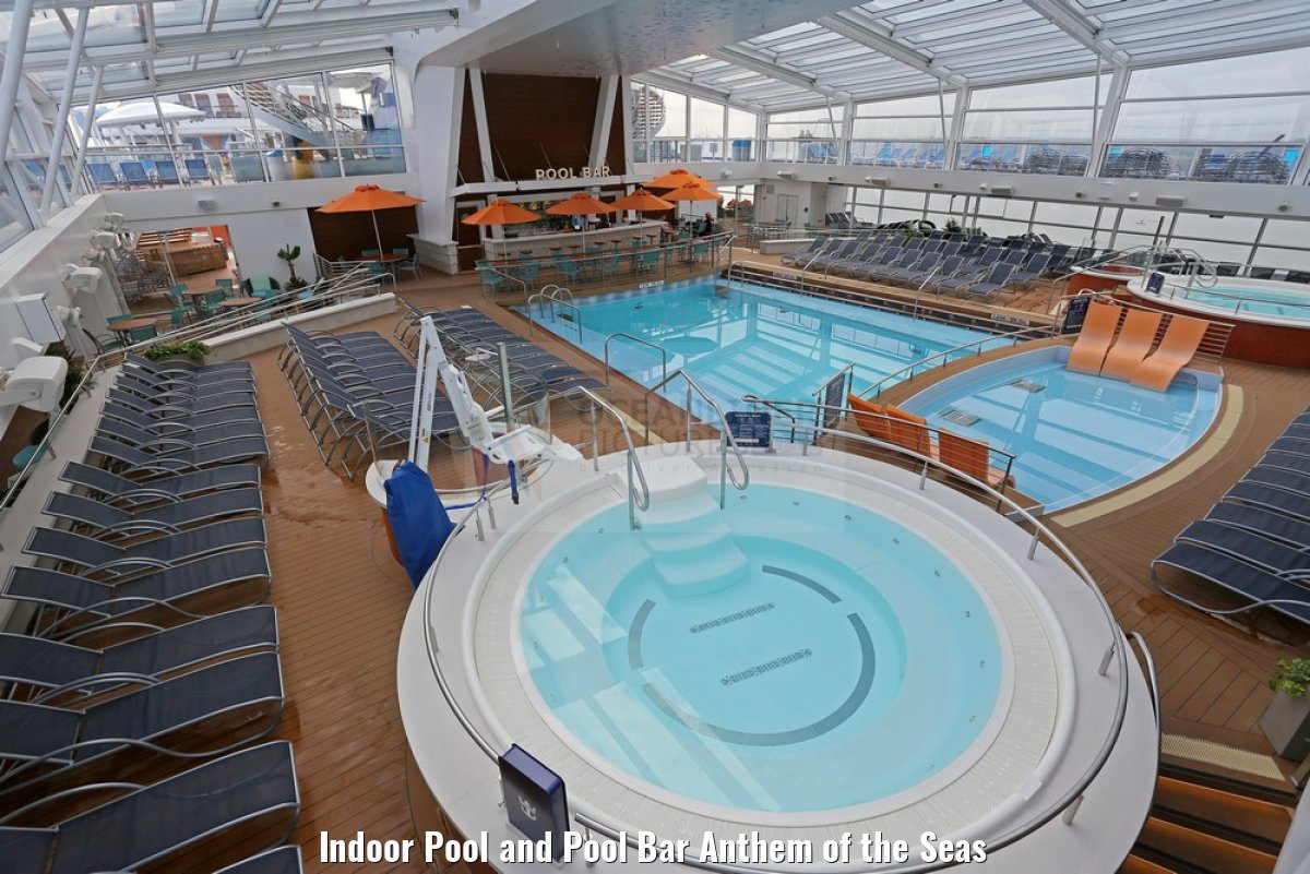 Indoor Pool and Pool Bar Anthem of the Seas