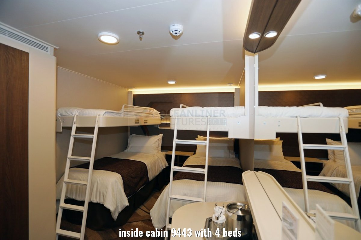inside cabin 9443 with 4 beds