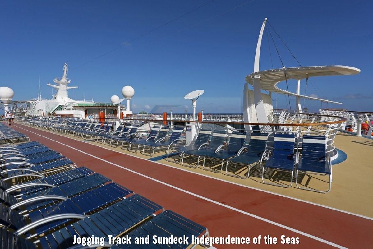 Jogging Track and Sundeck Independence of the Seas