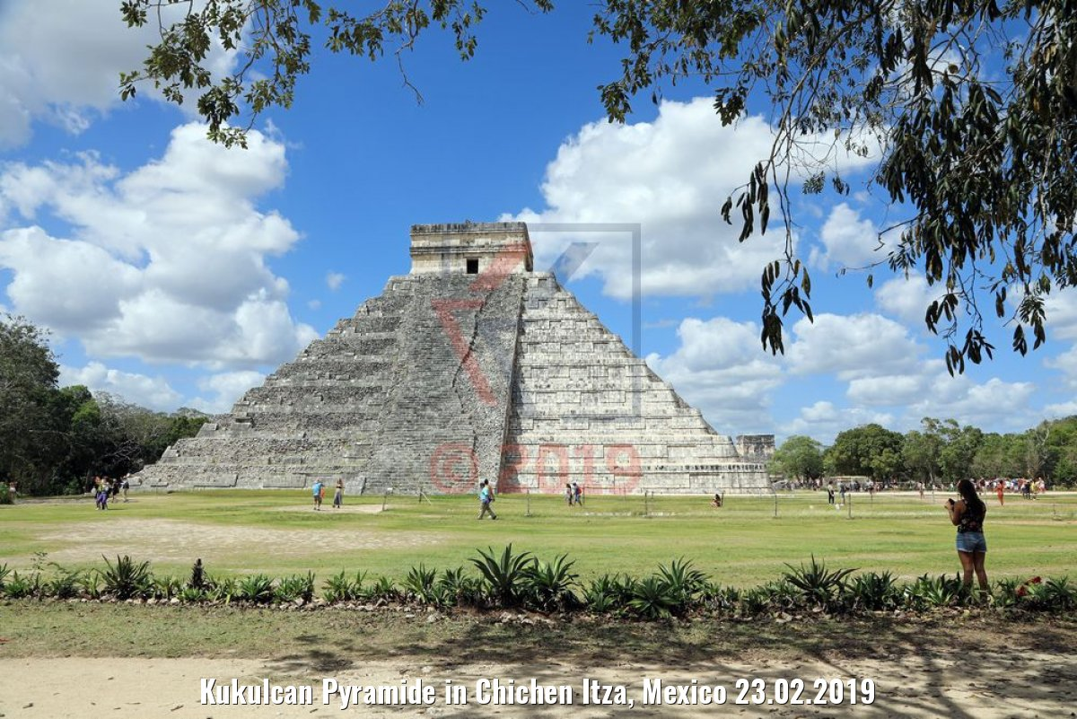Kukulcan Pyramide in Chichen Itza, Mexico 23.02.2019