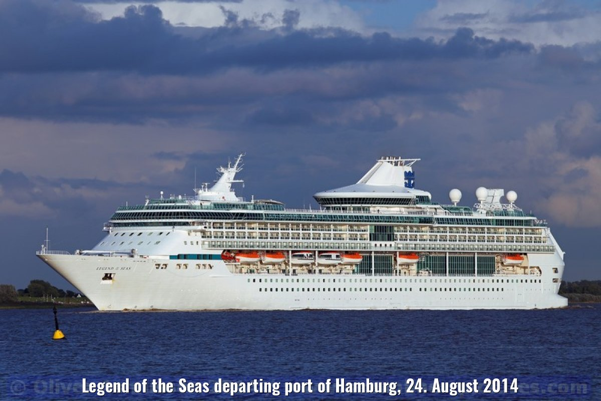 Legend of the Seas departing port of Hamburg, 24. August 2014