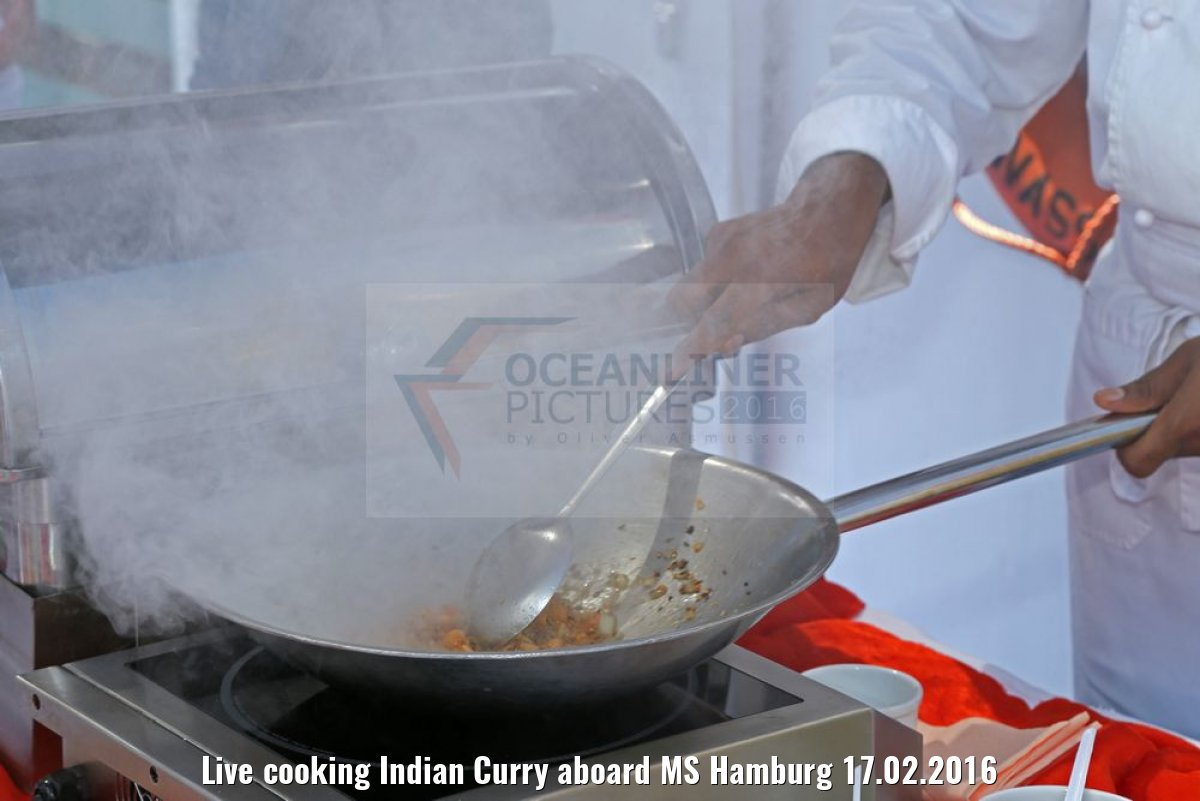 Live cooking Indian Curry aboard MS Hamburg 17.02.2016