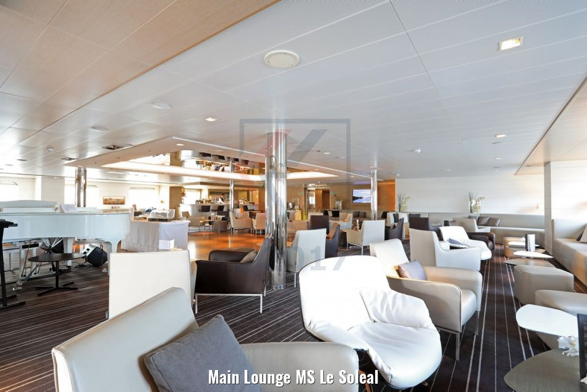 Main Lounge MS Le Soleal