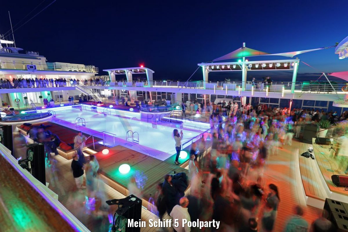 Mein Schiff 5 Poolparty