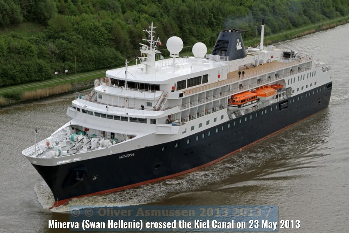Minerva (Swan Hellenic) crossed the Kiel Canal on 23 May 2013