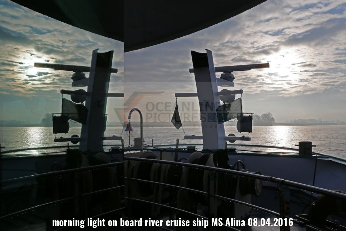 morning light on board river cruise ship MS Alina 08.04.2016