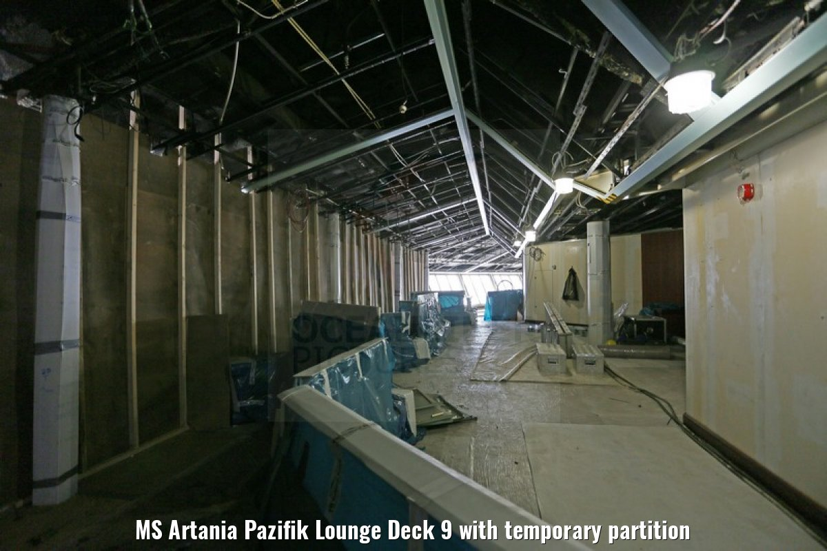 MS Artania Pazifik Lounge Deck 9 with temporary partition
