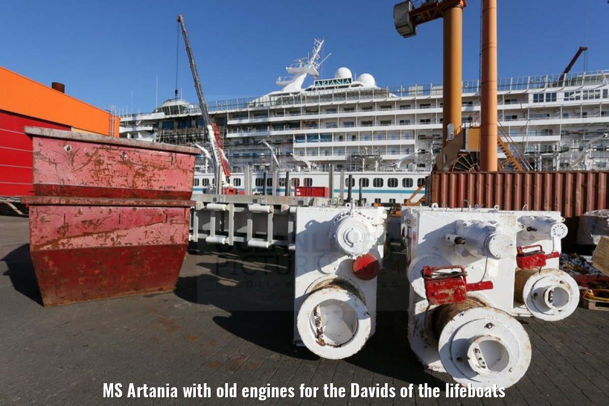 MS Artania with old engines for the Davids of the lifeboats