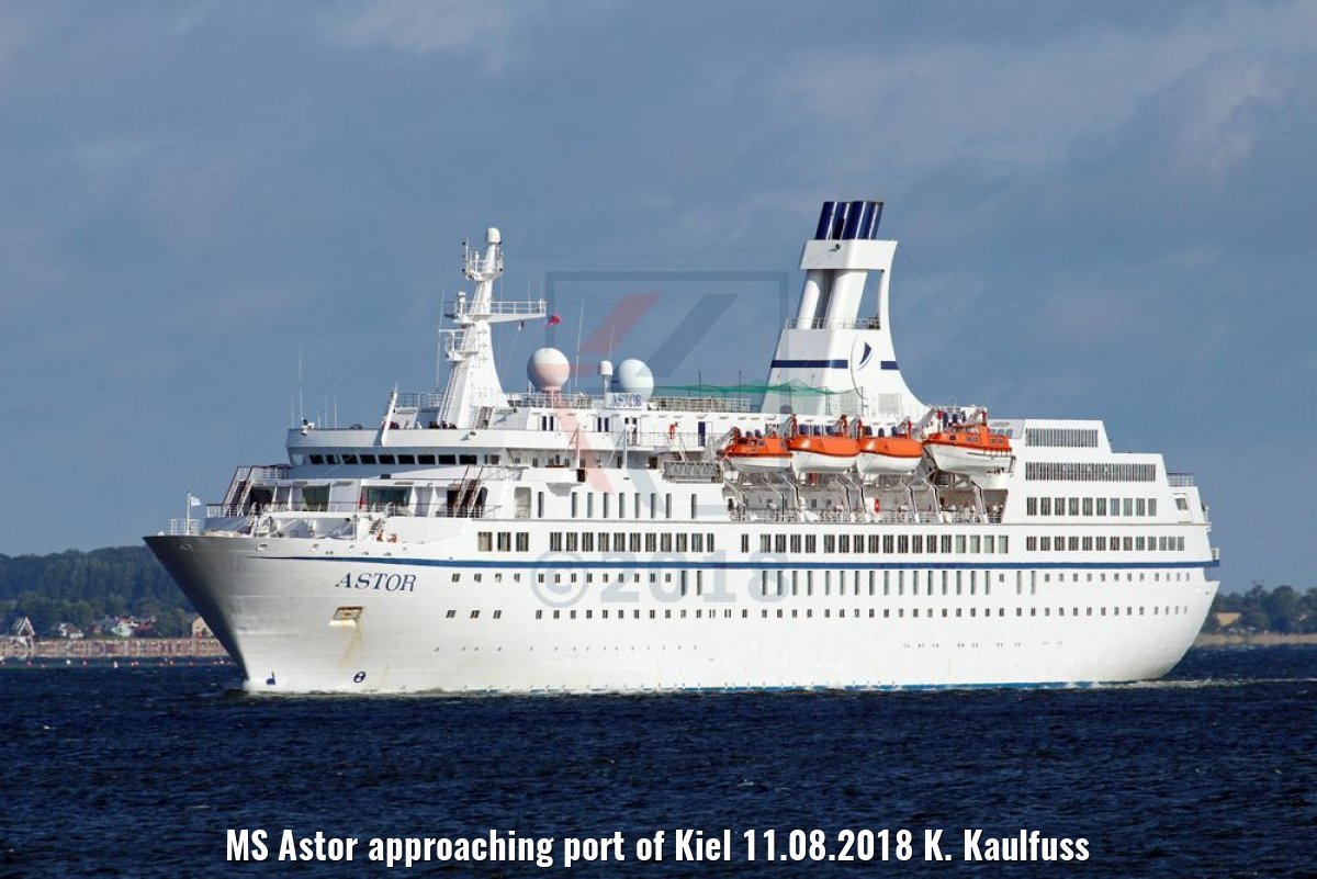 MS Astor approaching port of Kiel 11.08.2018 K. Kaulfuss