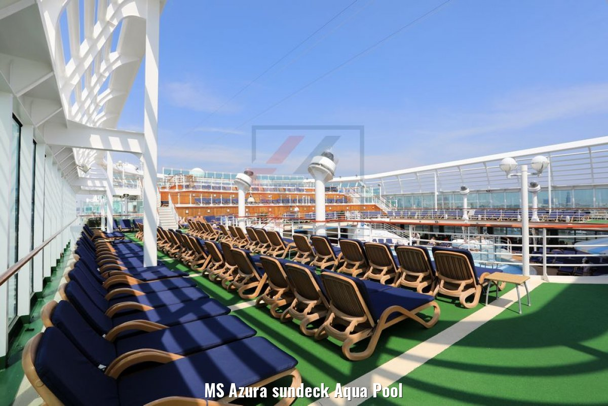MS Azura sundeck Aqua Pool