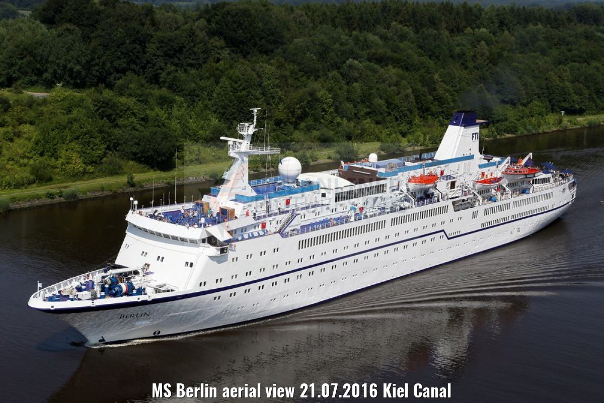 MS Berlin aerial view 21.07.2016 Kiel Canal