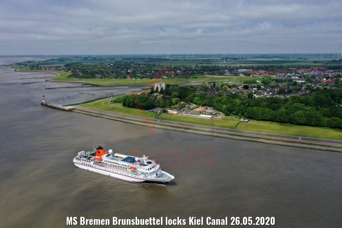 MS Bremen Brunsbuettel locks Kiel Canal 26.05.2020
