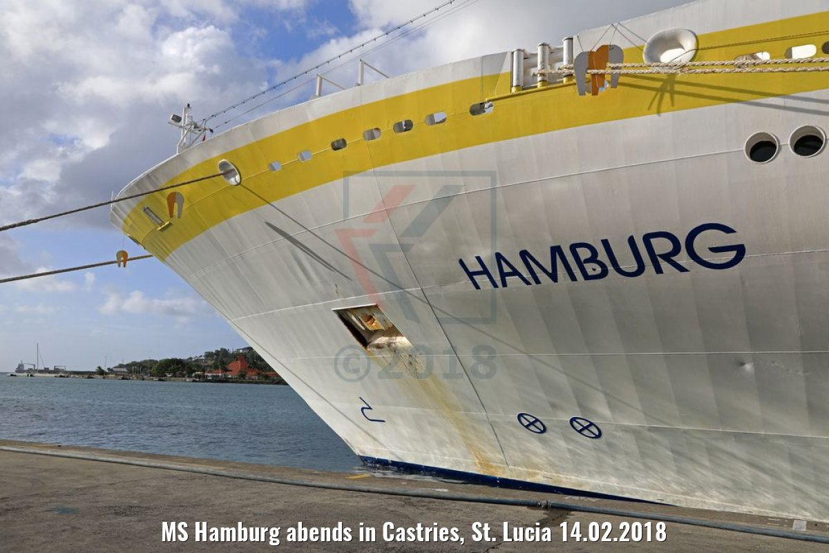 MS Hamburg abends in Castries, St. Lucia 14.02.2018