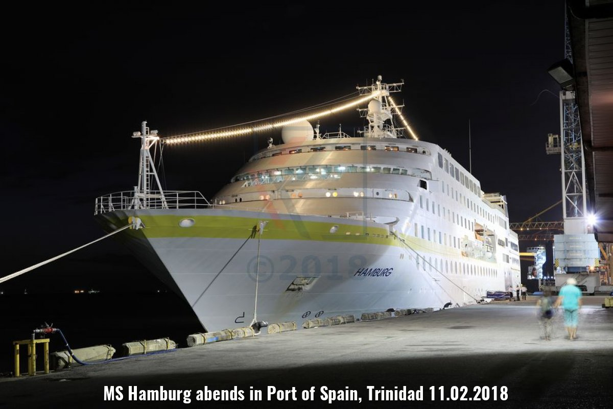 MS Hamburg abends in Port of Spain, Trinidad 11.02.2018