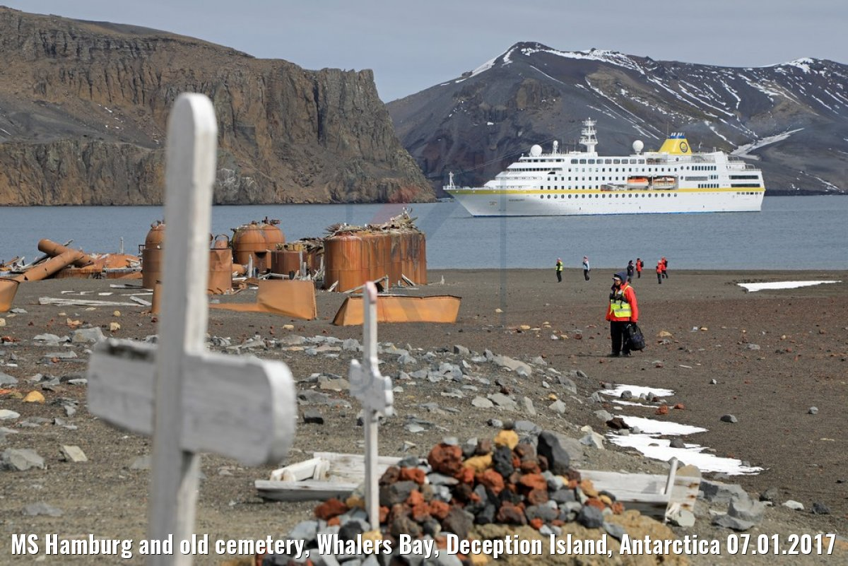 MS Hamburg and old cemetery, Whalers Bay, Deception Island, Antarctica 07.01.2017