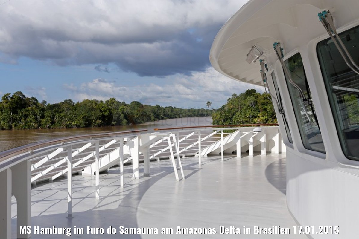 MS Hamburg im Furo do Samauma am Amazonas Delta in Brasilien 17.01.2015