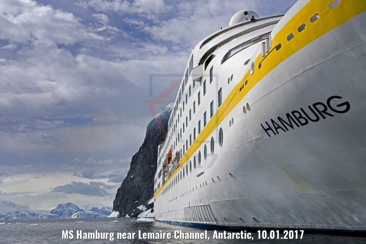 MS Hamburg near Lemaire Channel, Antarctic, 10.01.2017