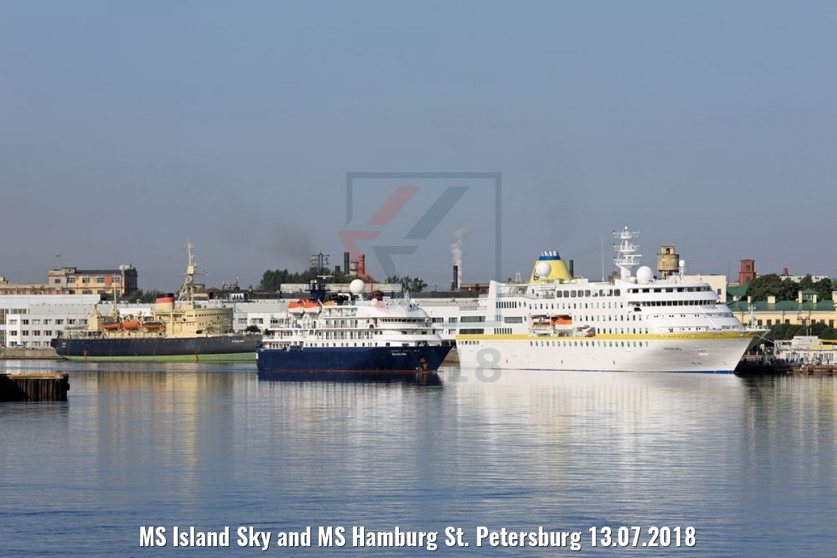 MS Island Sky and MS Hamburg St. Petersburg 13.07.2018