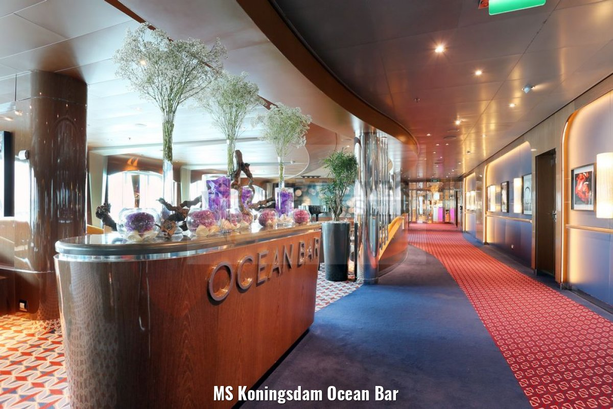 MS Koningsdam Ocean Bar