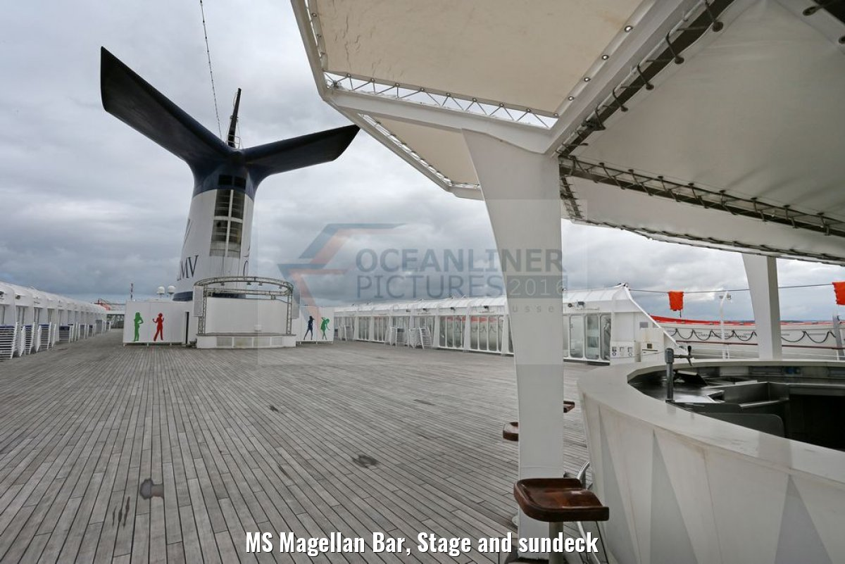 MS Magellan Bar, Stage and sundeck