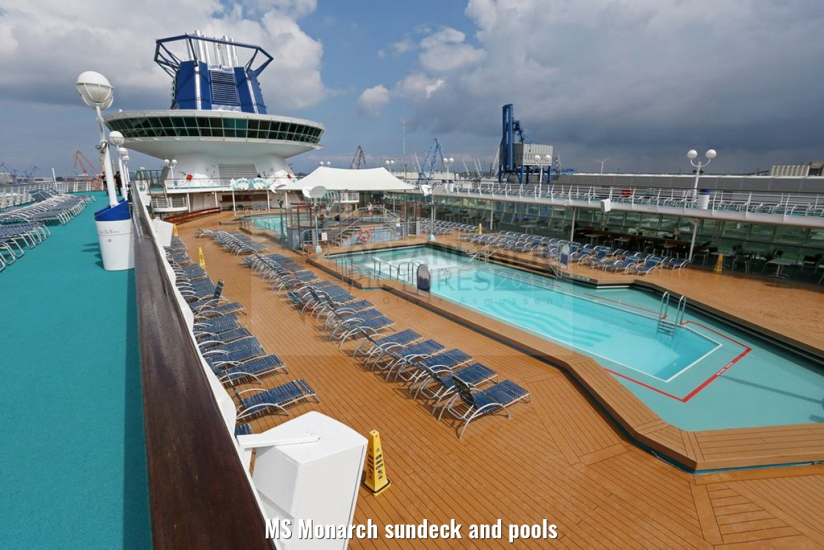 MS Monarch sundeck and pools