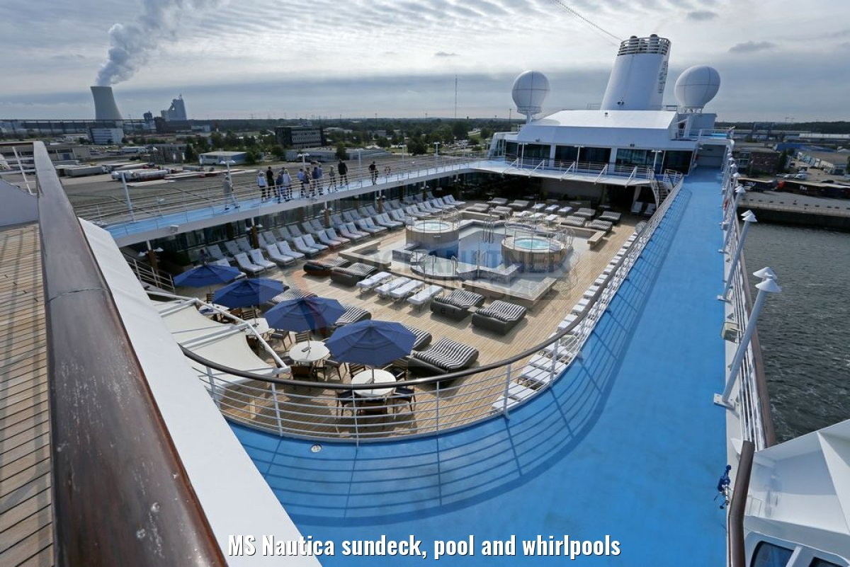 MS Nautica sundeck, pool and whirlpools