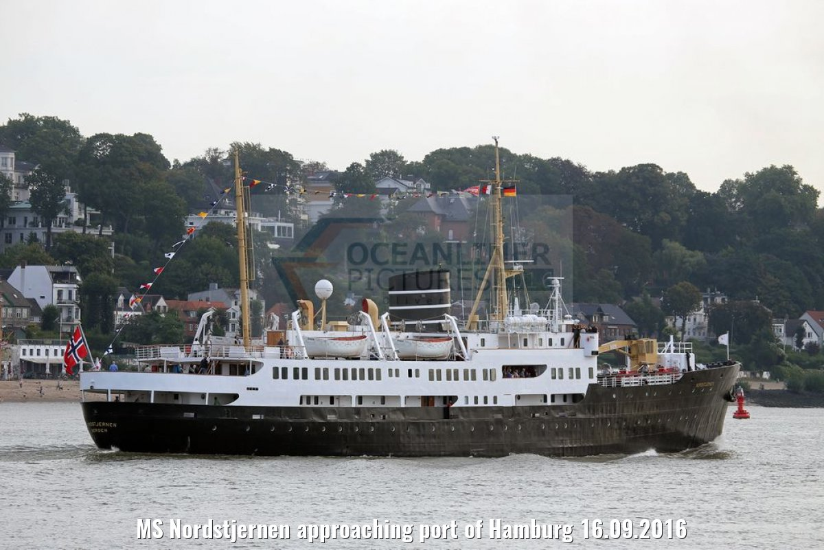MS Nordstjernen approaching port of Hamburg 16.09.2016