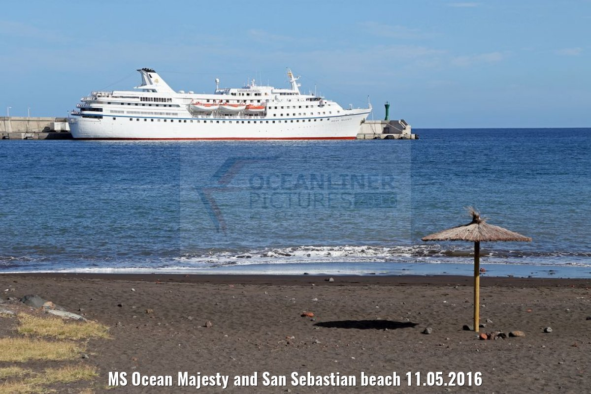 MS Ocean Majesty and San Sebastian beach 11.05.2016